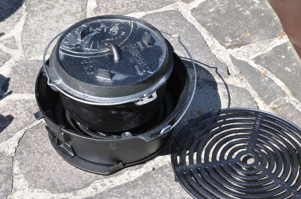 Dutch Oven Kochstelle petromax feuergrill tg3-Petromax Feuergrill tg3 07-Petromax Feuergrill tg3 – Grill und Dutch Oven Kochstelle im Test