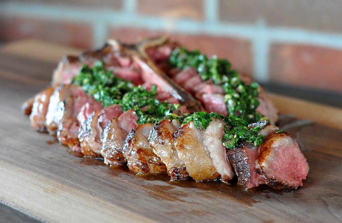 Weber Elektrogrill Steak : Porterhouse steak richtig zubereiten so gelingt es perfekt vom grill
