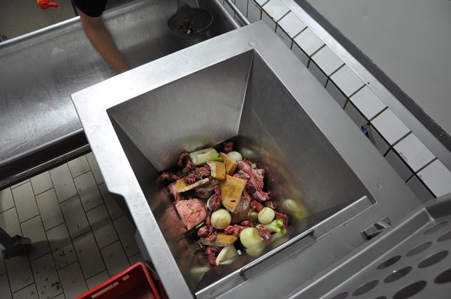 bratwurst-seminar-Wurstseminar Fleischerei Laschke Heek 05 633x420-Bratwurst-Seminar bei Fleischerei Laschke in Heek