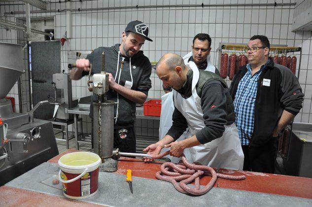 bratwurst-seminar-Wurstseminar Fleischerei Laschke Heek 11 633x420-Bratwurst-Seminar bei Fleischerei Laschke in Heek