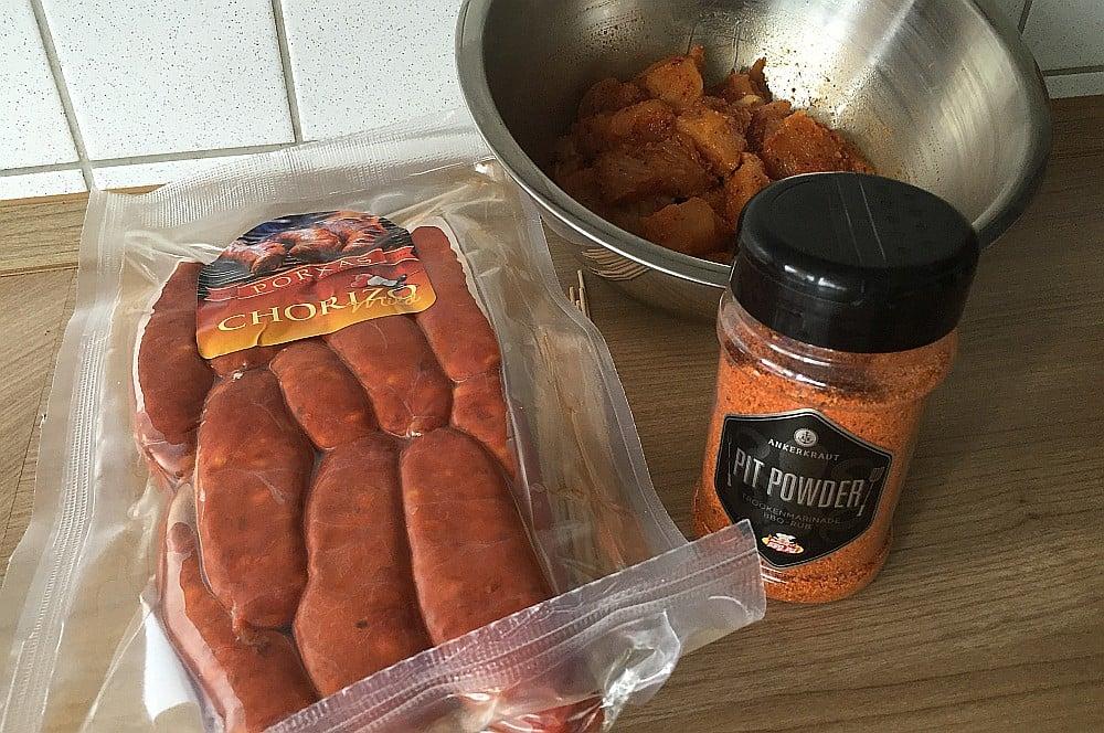 Chorizo-Spieß chicken-chorizo-spieße-Chicken Chorizo Spiesse 01-Herzhafte Chicken-Chorizo-Spieße