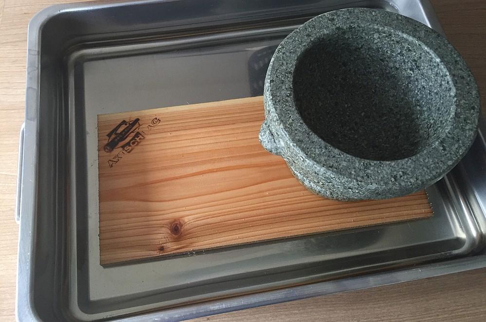 Red Cedar Planke lachssteak-Lachs Steak mit Gurke Planke 01-Geplanktes Lachssteak mit Gurke