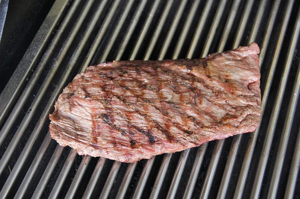 Maßgefertigte Edelstahl-Grillroste maßgefertigte edelstahl-grillroste-Massgefertigte Edelstahl Grillroste 03-Maßgefertigte Edelstahl-Grillroste von Grillrost.com