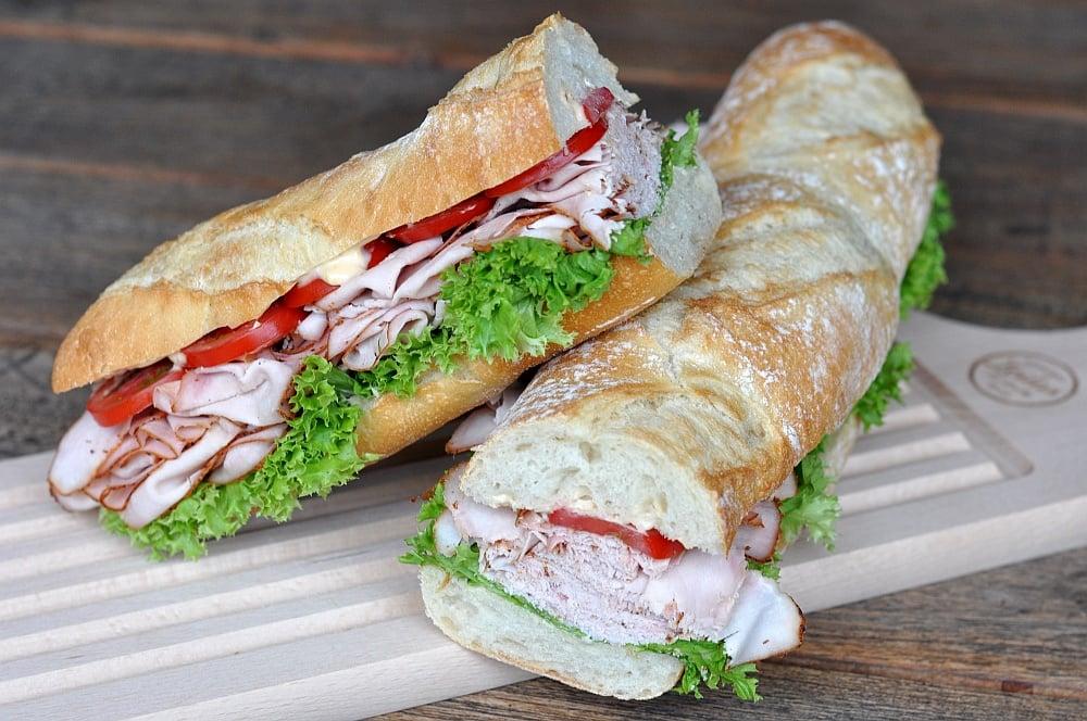 Puten-Pastrami-Sandwich puten-pastrami-sandwich-PutenPastramiBaguette02-Puten-Pastrami-Sandwich – Baguette mit geräucherter Putenbrust