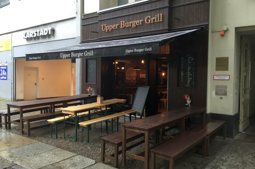 Upper Burger Grill Berlin upper burger grill-Upper Burger Grill Berlin 01-Upper Burger Grill – Der beste Burger in Berlin?