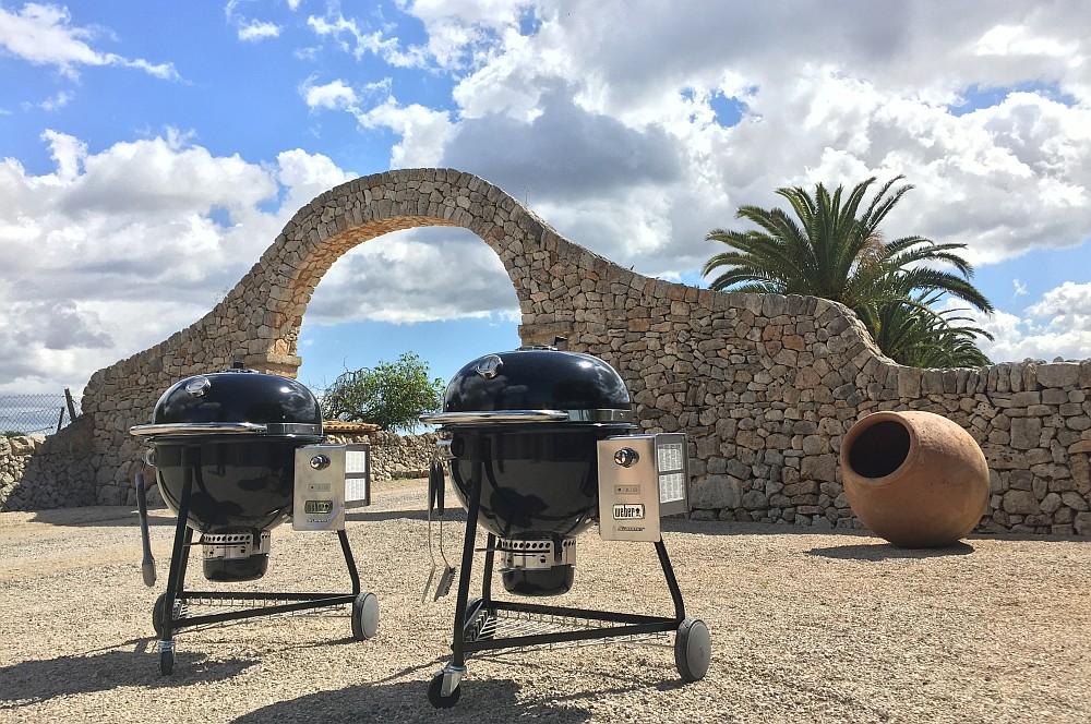 Weber Präsentation Mallorca summit charcoal-Weber Summit Charcoal Holzkohlegrill Praesentation Mallorca erster Test 03-Präsentation & Test des Weber Summit Charcoal Grills auf Mallorca