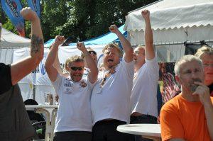BBQ Wiesel bbq an der burg-BBQ an der Burg Bad Bederkesa BBQ Wiesel 04 300x199-BBQ an der Burg / Bad Bederkesa: BBQ Wiesel werden KCBS Grand Champion