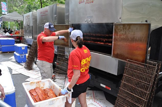 big apple bbq block party-Big Apple BBQ Block Party 2016 20 633x420-Big Apple BBQ Block Party 2016 in New York