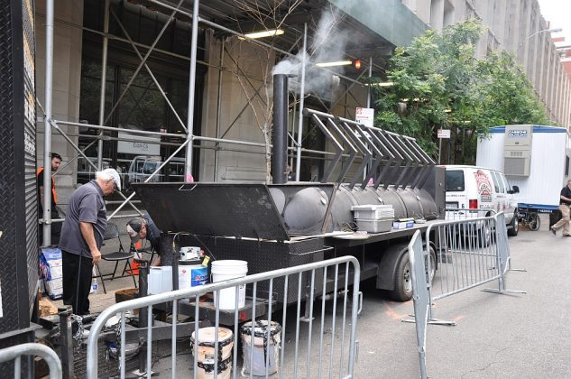 big apple bbq block party-Big Apple BBQ Block Party 2016 22 633x420-Big Apple BBQ Block Party 2016 in New York