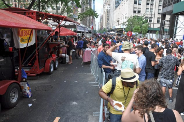 big apple bbq block party-Big Apple BBQ Block Party 2016 63 633x420-Big Apple BBQ Block Party 2016 in New York