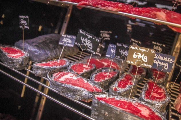 goldhorn beefclub-Goldhorn Beefclub Berlin Eindruecke 11 633x420-Goldhorn Beefclub Berlin – Auf dem Weg zum besten Steakhouse der Welt? goldhorn beefclub-Goldhorn Beefclub Berlin Eindruecke 11 633x420-Goldhorn Beefclub Berlin – Auf dem Weg zum besten Steakhouse der Welt?