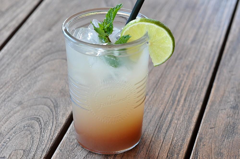 Granatapfel-Ingwer-Limonade granatapfel-ingwer-limonade-Granatapfel Ingwer Limonade 02-Erfrischende Granatapfel-Ingwer-Limonade