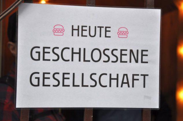 Otto's Burger im Schanzenviertel-Ottos Burger Eroeffnung Schanze 06 633x420-Neueröffnung Otto's Burger im Schanzenviertel / Hamburg