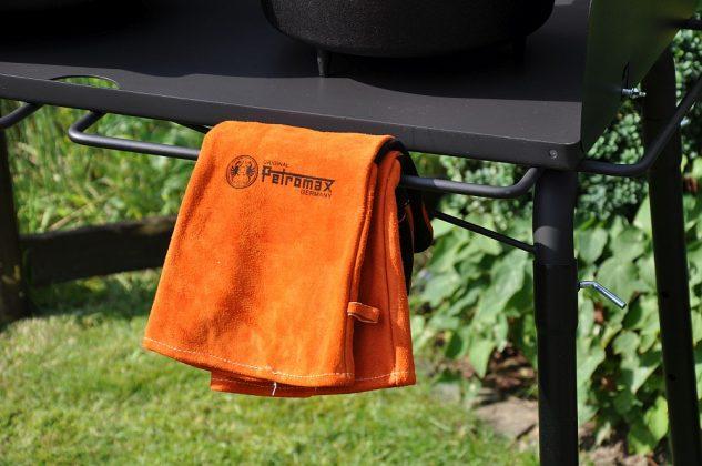 Petromax Feuertopf Tisch FE90 dutch oven tisch-Petromax Dutch Oven Tisch Feuertopf FE45 FE90 08 633x420-Petromax Dutch Oven Tisch / Feuertopf-Tisch fe90 und fe45