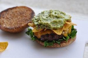guacamole-cheeseburger-Guacamole Cheeseburger 03 300x199-Guacamole-Cheeseburger mit Nachos