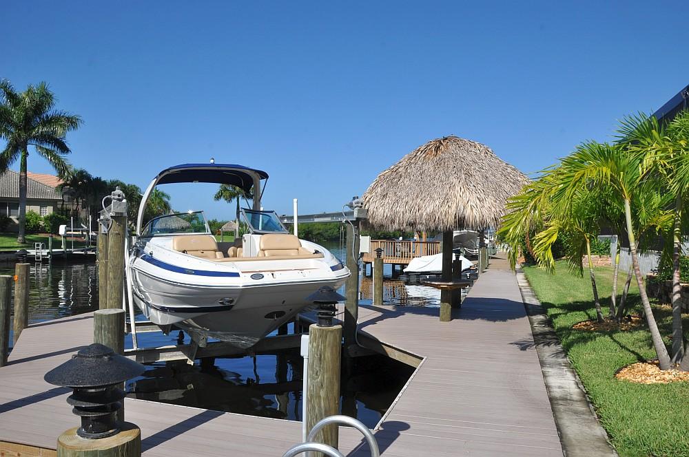 "Motorboot Cape Coral villa sedona-Villa Sedona Cape Coral Florida Grillvilla 03-Villa Sedona in Cape Coral / Florida – die ""Grillvilla"""
