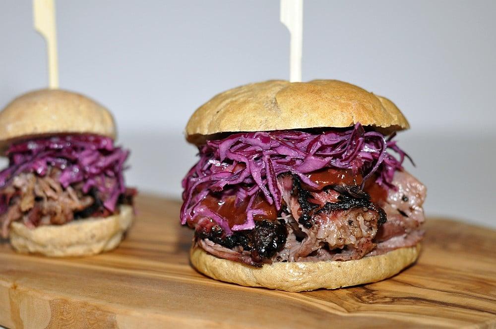 pulled-beef-burger pulled beef-Pulled Beef Burger 08-Pulled Beef Anleitung & Rezept – Pulled Beef Burger