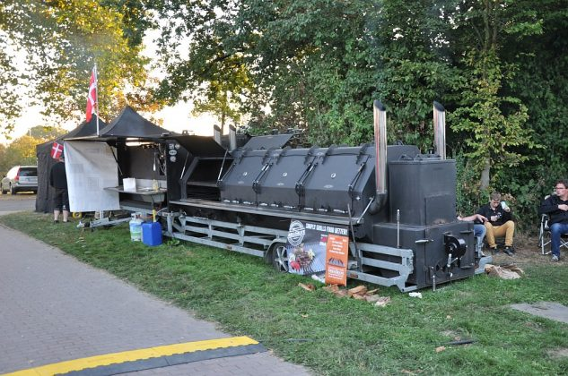 ruhrpott bbq 2016-Ruhrpott BBQ 2016 BBQWiesel 11 633x420-Ruhrpott BBQ 2016 in Waltrop + Oettinger Blindtest [Sponsored Post]
