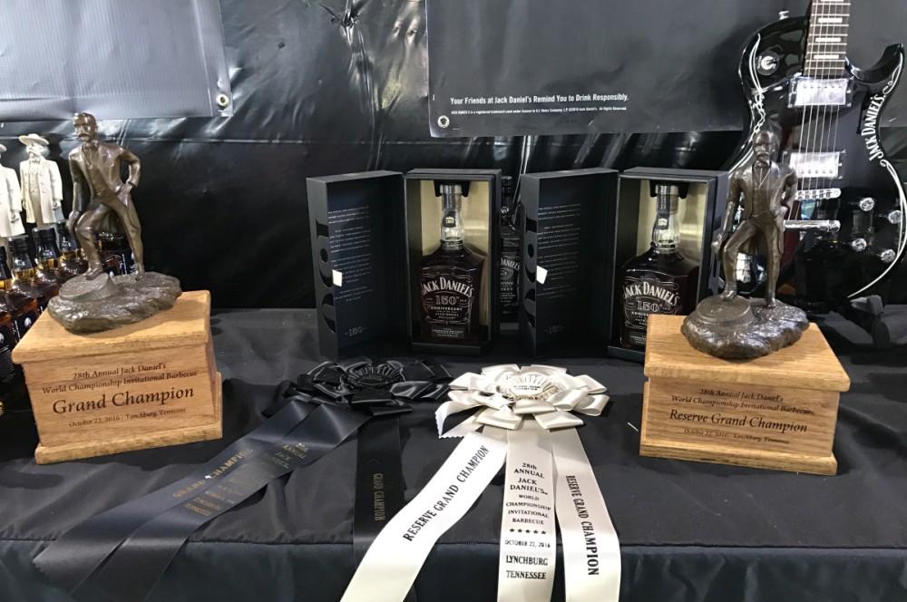 Jack Daniel's BBQ World Championship 2016 jack daniel's bbq world championship 2016-Jack Daniels BBQ World Championship 2016 BBQ Wiesel 23-Jack Daniel's BBQ World Championship 2016 mit den BBQ Wieseln