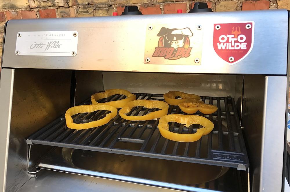 Paprika grillen schweinekotelett-Schweinekotelett gegrillte Paprika OFB 02-Schweinekotelett mit gegrillter Paprika vom O.F.B.
