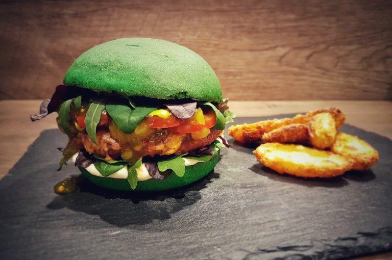 Grüner Dschungel-Burger zum Dschungelcamp