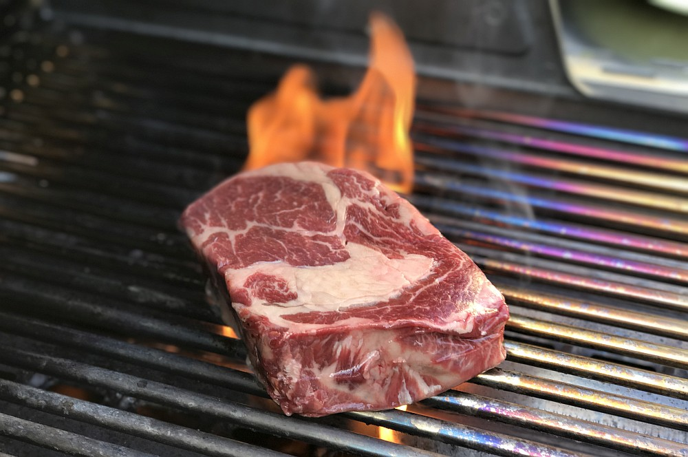 irisches Entrecôte irisches entrecôte-Irisches Entrecote Steak dry aged RibEye Chimichurri 02-Irisches Entrecôte-Steak / dry-aged RibEye mit Chimichurri