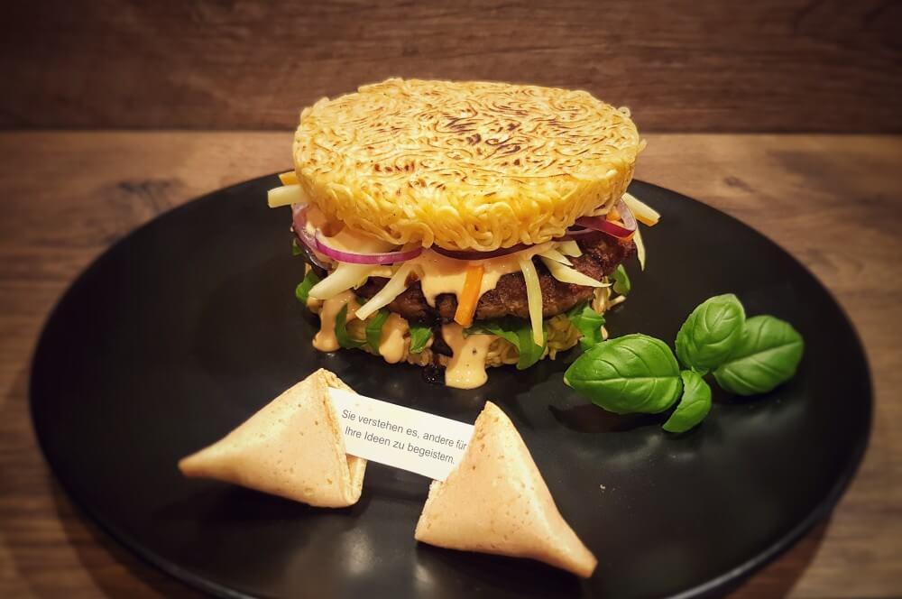 Asiatischer Ramen Burger Ramen Burger-Asiatischer Ramen Burger 04-Ramen Burger Asia-Style