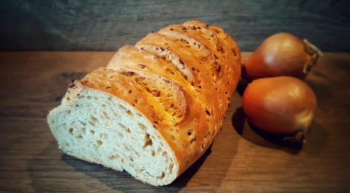 Zwiebel-Brot