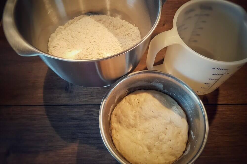 Brötchenhauptteig brötchen-Broetchen Baeckerbroetchen Sonntagsbroetchen 05-Brötchen backen – Rezept für Bäckerbrötchen / Sonntagsbrötchen