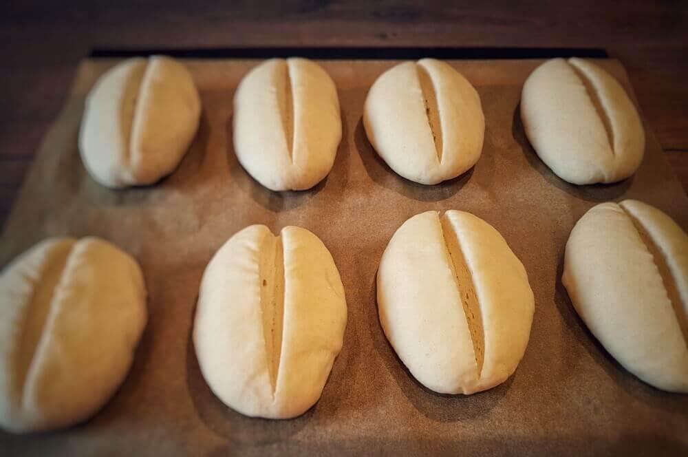 Brötchenteiglinge brötchen-Broetchen Baeckerbroetchen Sonntagsbroetchen 12-Brötchen backen – Rezept für Bäckerbrötchen / Sonntagsbrötchen