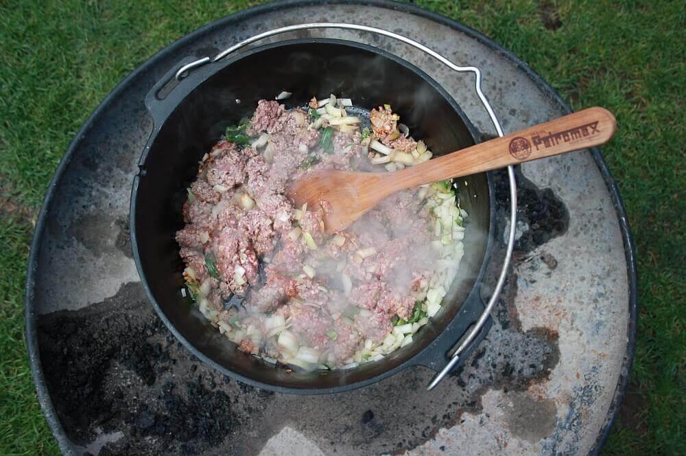Chilitopf chili con carne-Chili con Carne Dutch Oven 02-Chili con Carne aus dem Dutch Oven chili con carne-Chili con Carne Dutch Oven 02-Chili con Carne aus dem Dutch Oven
