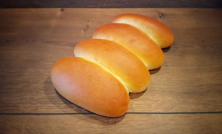 Hot Dog Brötchen selber backen – Rezept für Hot Dog Rolls & Buns