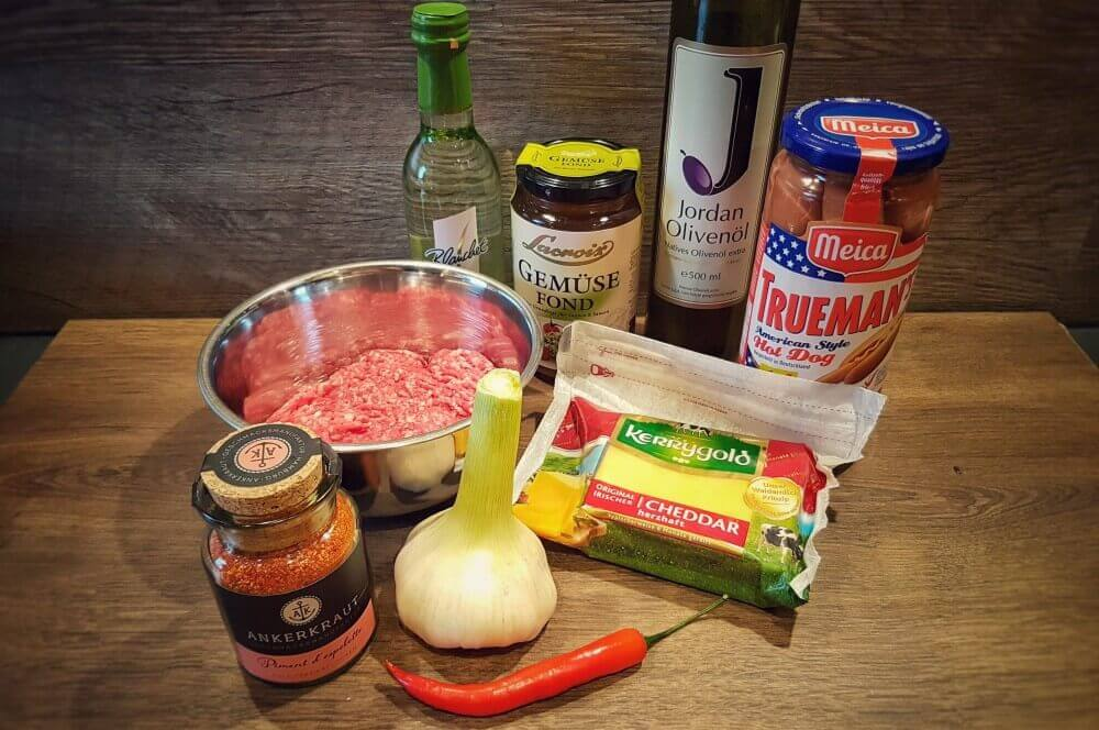 Ingredients Sloppy Joe sloppy joe hot dog-Sloppy Joe Hot Dog 01-Sloppy Joe Hot Dog mit Hackfleisch- und Käsesauce