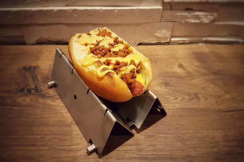 Sloppy Joe Hot Dog sloppy joe hot dog-Sloppy Joe Hot Dog 03-Sloppy Joe Hot Dog mit Hackfleisch- und Käsesauce