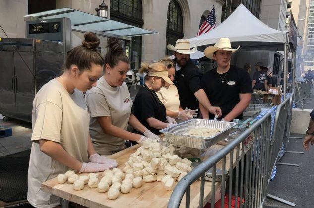 big apple bbq block party 2017-Big Apple BBQ Block Party 2017 New York 09 633x420-Big Apple BBQ Block Party 2017 in New York