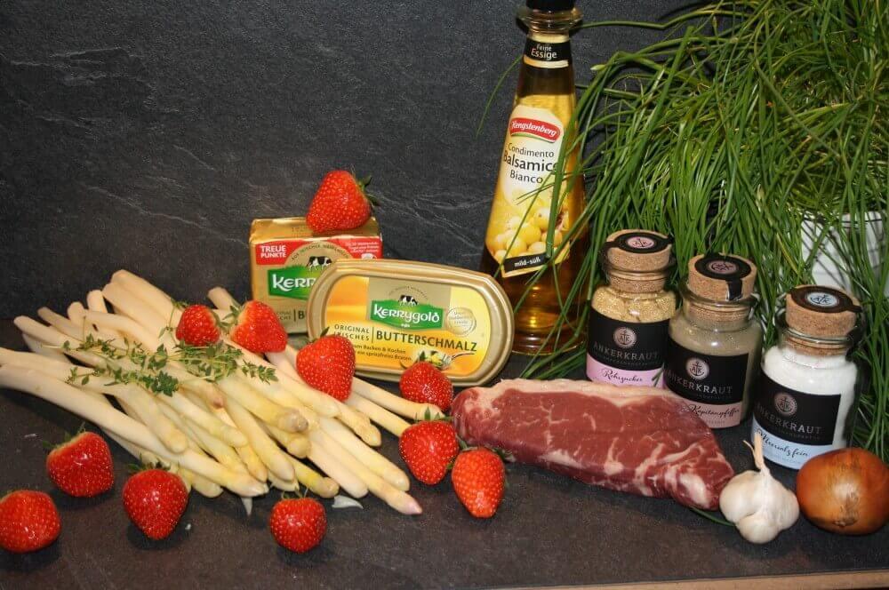 dry-aged Roastbeef, Spargel und Erdbeeren spargel-erdbeer-salat-Spargel Erdbeer Salat Roastbeef 01-Spargel-Erdbeer-Salat mit dry-aged Roastbeef