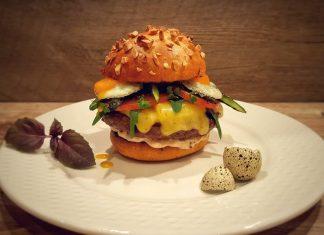 Burger mit Wachtelei und Spargel [object object]-Wagyu Chili Cheese Burger 324x235-BBQPit.de das Grill- und BBQ-Magazin – Grillblog & Grillrezepte –