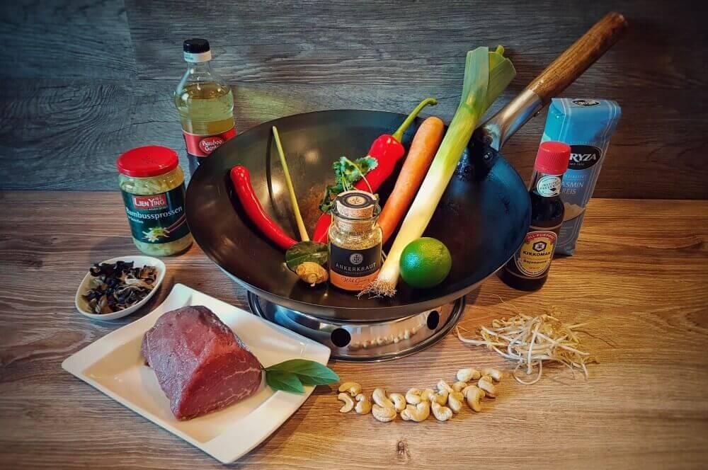 Asiatische Rinderfiletstreifen asiatische rinderfiletstreifen-Asiatische Rinderfiletstreifen Wok 01-Asiatische Rinderfiletstreifen mit Gemüse und Cashews aus dem Wok