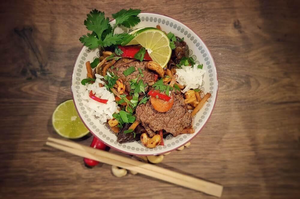 Asiatische Rinderfiletstreifen asiatische rinderfiletstreifen-Asiatische Rinderfiletstreifen Wok 04-Asiatische Rinderfiletstreifen mit Gemüse und Cashews aus dem Wok