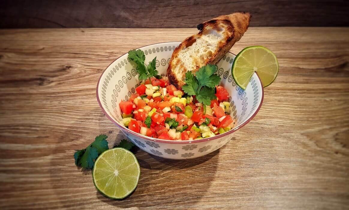 Pico de Gallo - Mexikanische Salsa mit Tomaten und Chili   BBQPit.de