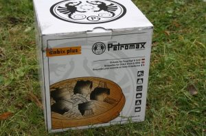 petromax cabix plus-Petromax Cabix Plus Feuertopf Grill Briketts 02 300x199-Petromax Cabix Plus – Briketts für Dutch Oven, Feuertopf und Grill