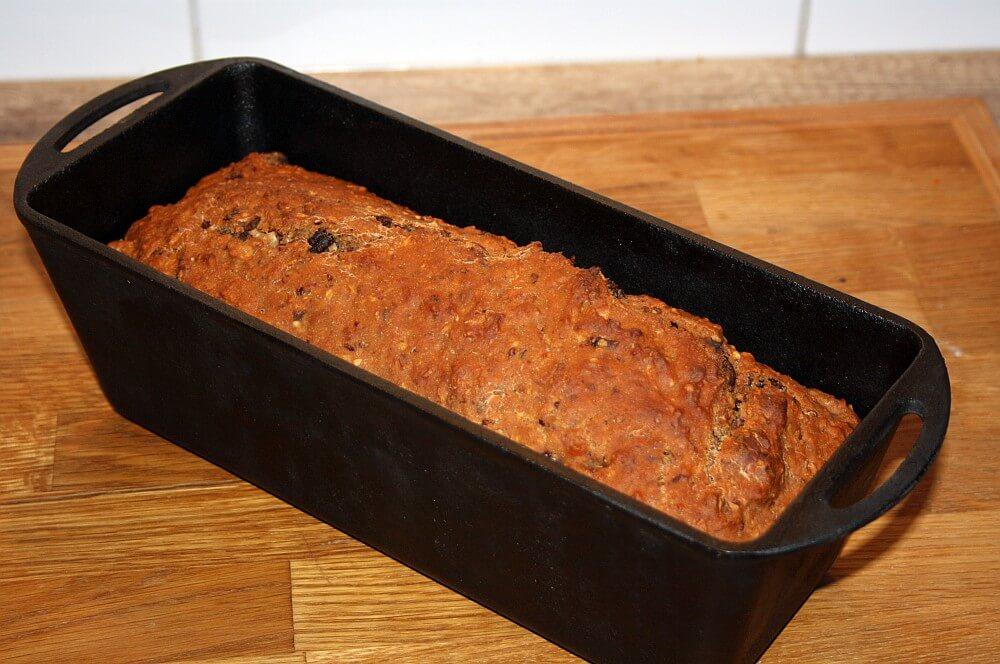 Apfel-Nuss-Brot apfel-nuss-brot-Apfel Nuss Brot 04-Apfel-Nuss-Brot mit Cranberries und Nüssen