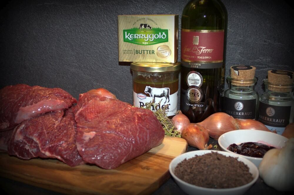 Zutaten für geschmorte Rinderbäckchen geschmorte rinderbäckchen-Geschmorte Rinderbaeckchen Dutch Oven 01-Geschmorte Rinderbäckchen aus dem Dutch Oven