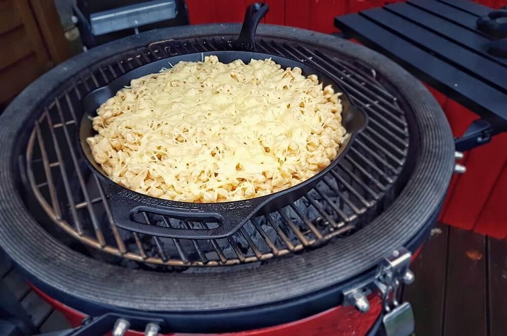Käsespätzle käsespätzle-Kaesespaetzle mit Roestzwiebeln 03-Käsespätzle mit Röstzwiebeln