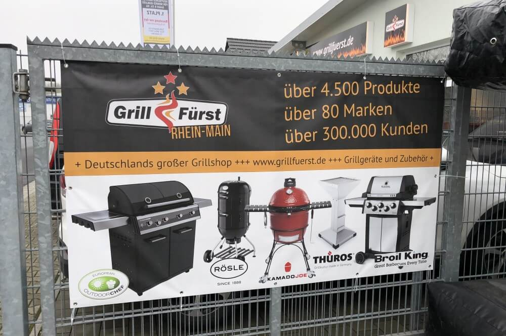 Mehr als 4500 Produkte sind bei Grillfürst zu haben grillfürst rhein-main-Grillfuerst RheinMain Neueroeffnung 01-Grillfürst Rhein-Main in Gründau