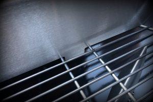kugelsmoker-Kugelsmoker 57er Kugelgrill Smokenator Grillrost 04 300x199-Kugelsmoker von Grillrost.com – Smokenator-Einsatz für Kugelgrills