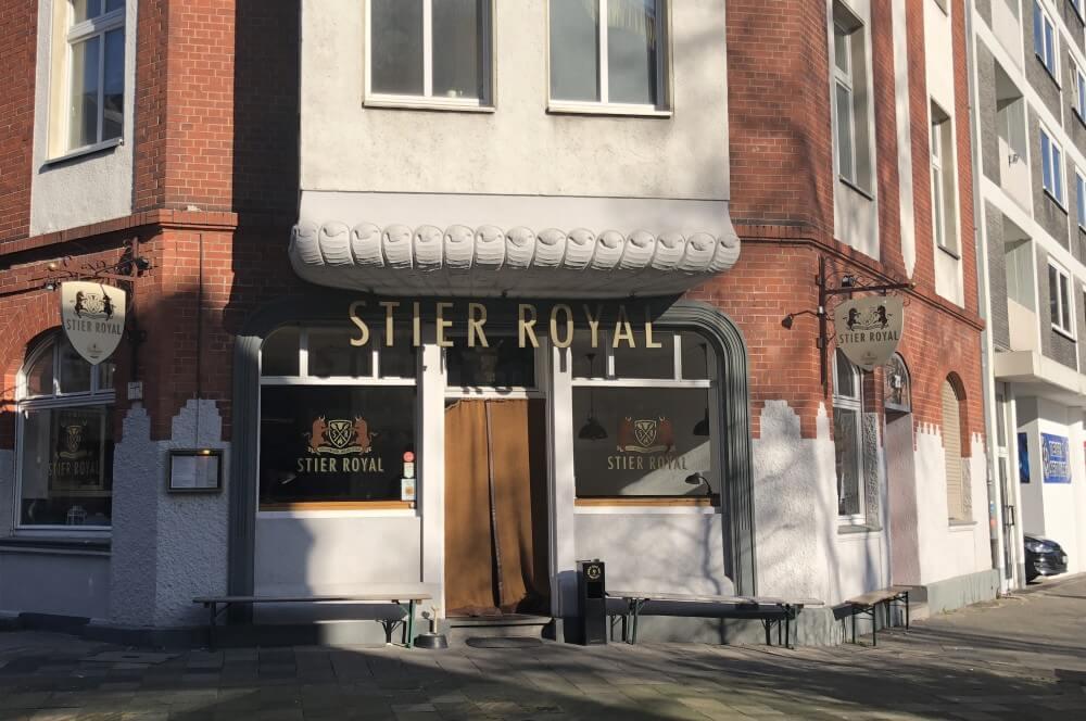 Die Außenansicht vom Stier Royal stier royal-Stier Royal Duesseldorf Burger Test 01-Stier Royal Burger-Restaurant in Düsseldorf