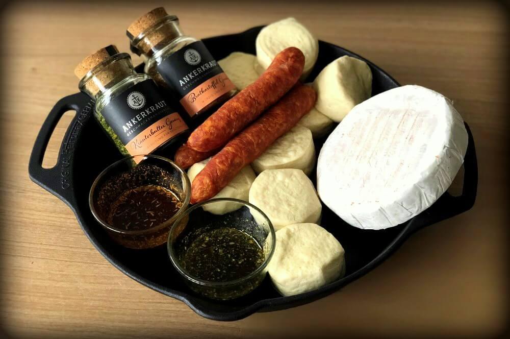 Käsesonne mit Mettwurst käsesonne-Kaesesonne mit Mettwurst 01-Käsesonne / Brötchensonne mit Camembert und Mettwurst