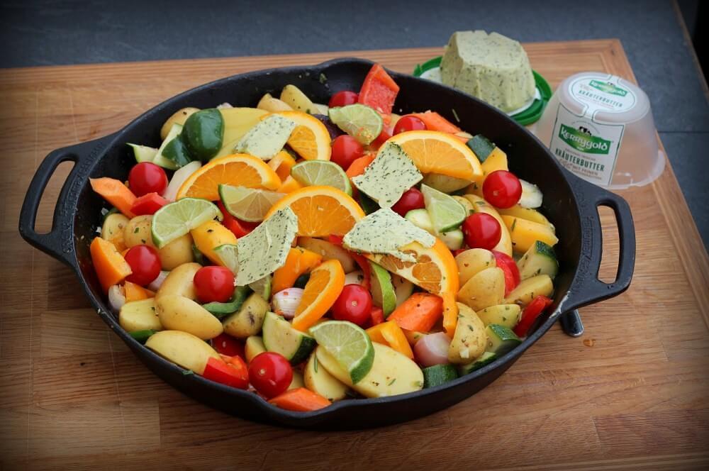 Das Gemüse ist bereit für den Grill lammkeule vom grill-Lammkeule vom Grill 03-Lammkeule vom Grill mit mediterranen Kräutern