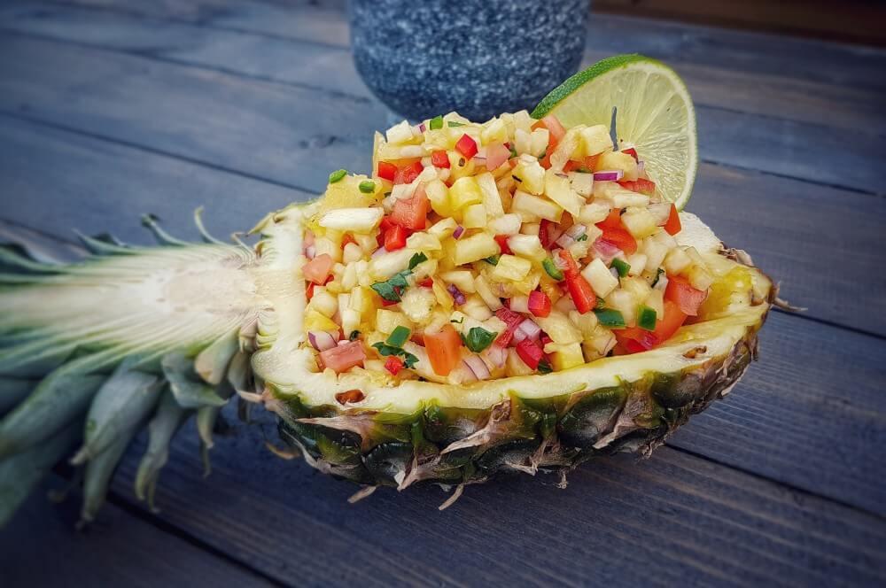 Ananas-Salsa ananas-salsa-Ananas Salsa Pineapple Salsa 02-Ananas-Salsa mit Chili und Koriander